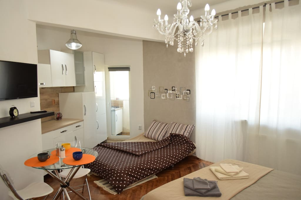 spacious new home design apartments for rent in bucharest romania. Black Bedroom Furniture Sets. Home Design Ideas