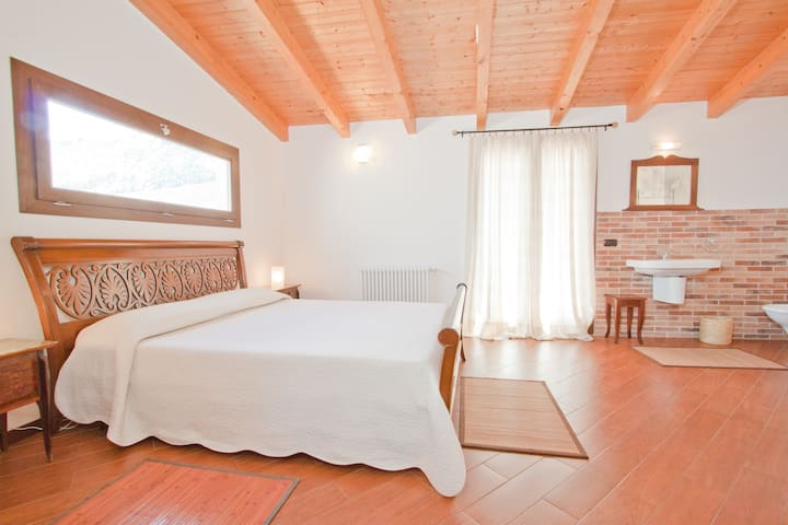 Cipriano Apt in Torretta  (for 2 to 8 persons!)
