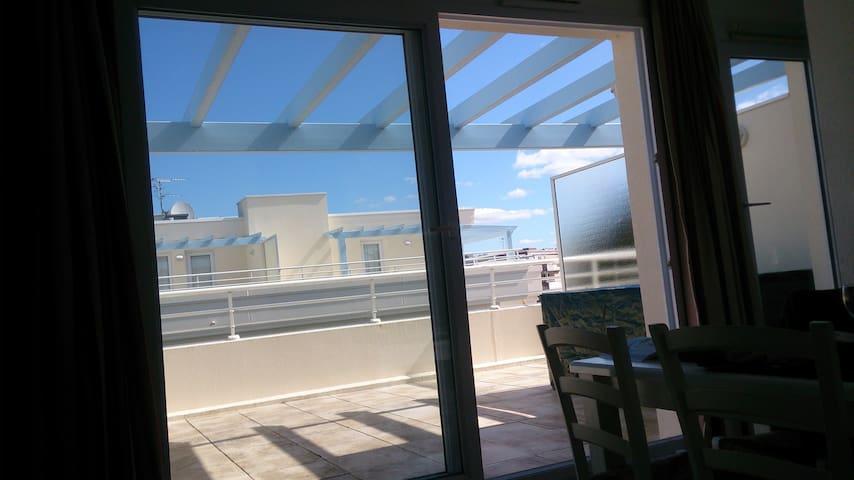 La Baule T2 + terrasse 20m², piscine,  mer 250m