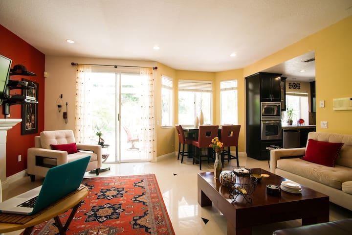 Cosy, Contemporary guest bedroom