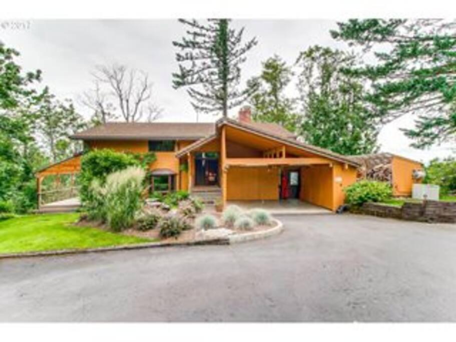 our home--Hummingbird Lodge!