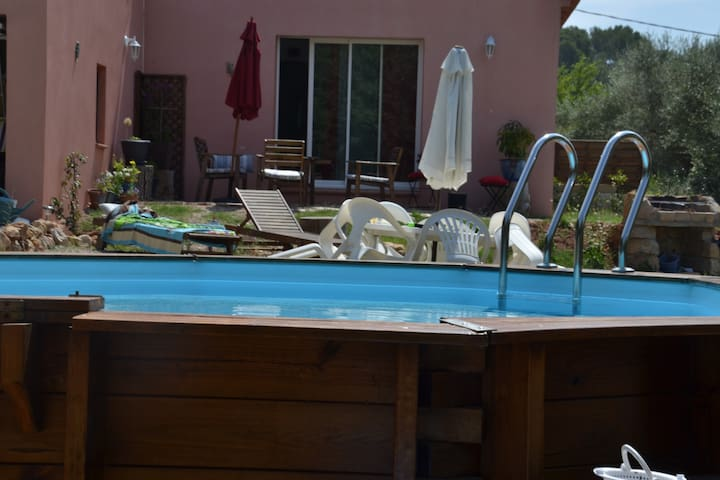 Charmante maison avec piscine - Le Cannet-des-Maures - Casa