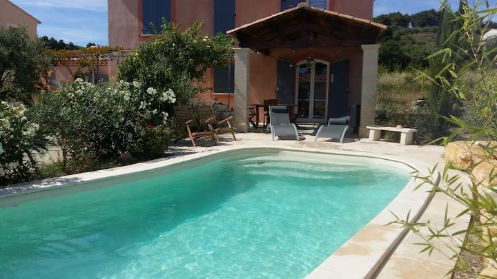 Villa indépendante au cœur de la Provence