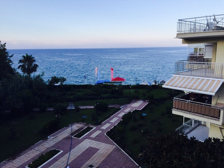 Only residence by beach in kemer