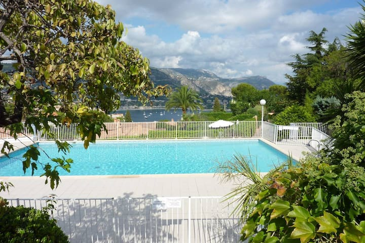 Tranquil Retreat: Sea View, Pool & Tennis