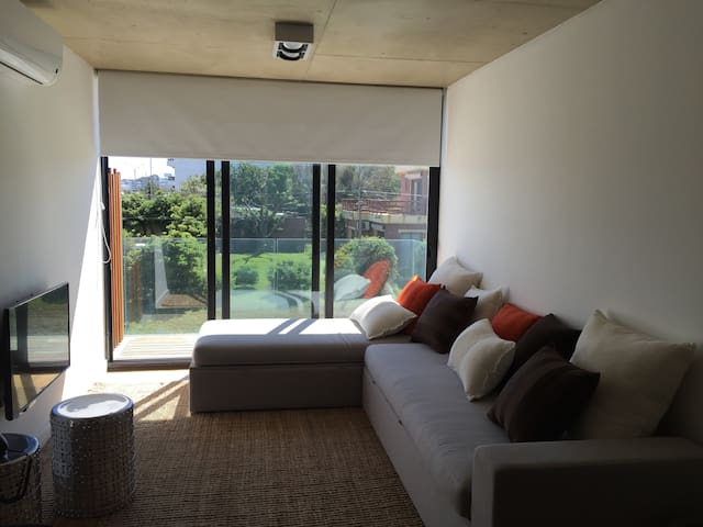 Design apartment in Playa Mansa, 24 Stop - Punta del Este - Apartemen