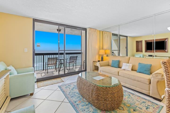 9th Floor Charming Condo, Splash pad & multiple pools on-site, Gulf-front