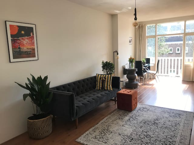 Stylish 1 bed apartment with balcony in Westerpark
