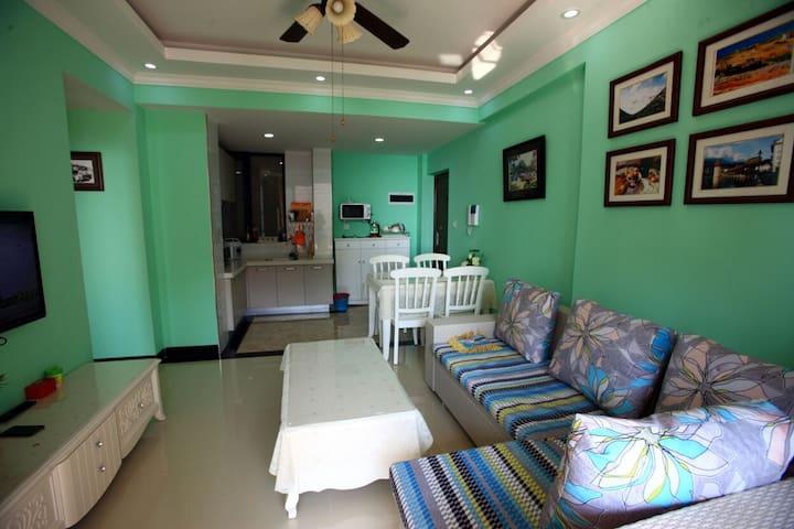 1—Two bedroom Seaview 两室一厅海景房