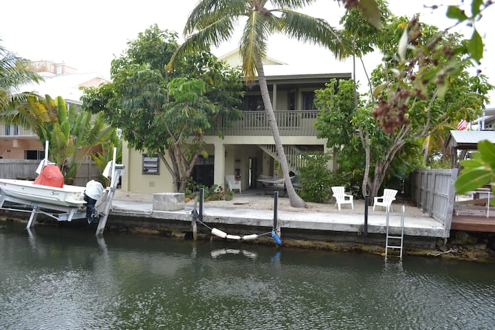 Waterfront house, preserve views on Big Pine Key