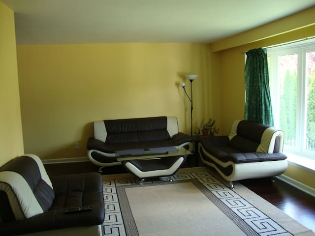One bedroom available Wifi and TV