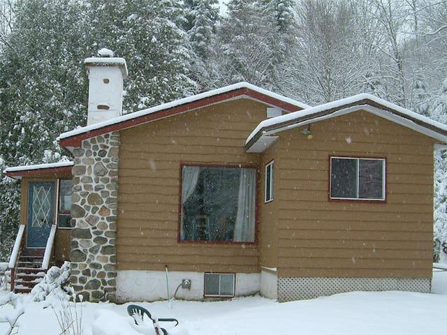 Snowchalet-Romantic getaway