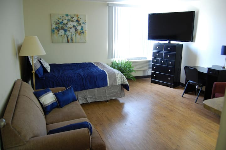 Studio Apt 104A - Short Term, Weekly, Monthly
