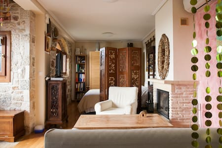 Traditional Style Studio w Garden - Glyfada - Hus