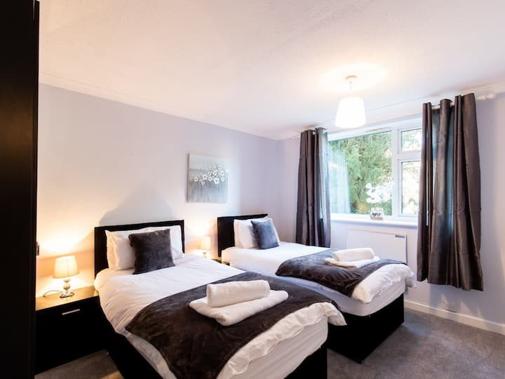 2-bedroom apartment, Woodgrange Court