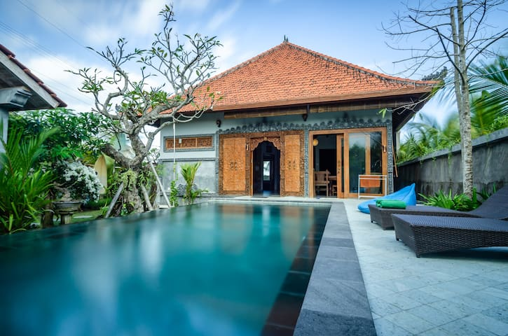 FINS VILLA MEDEWI - OWN VILLA WITH PRIVATE POOL