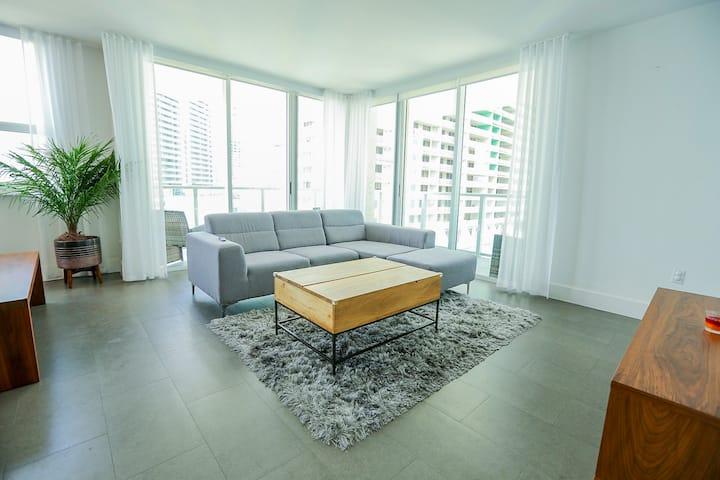Ocean + City Brickell 16th Floor Corner View