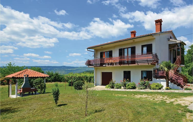 Holiday cottage with 2 bedrooms on 100m² in Cepic