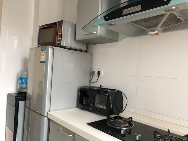厨房冰箱/微波炉/咖啡机/吐司烤箱/饮水机