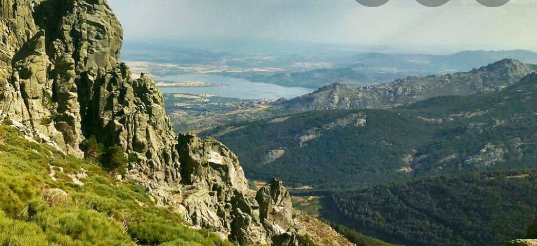 Alquilo espacio en la Sierra de Madrid (4 pers)