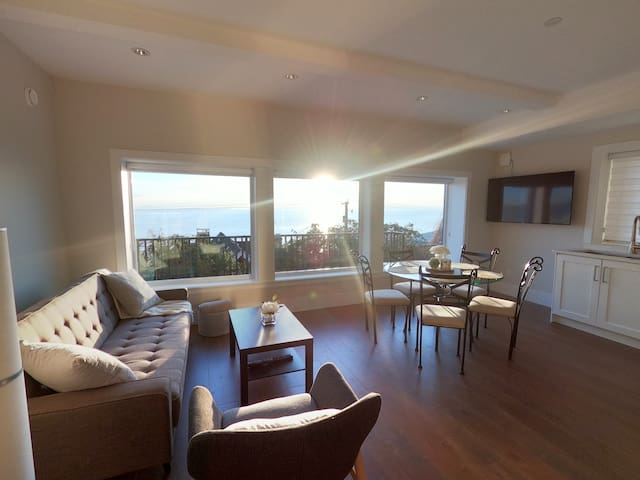 Brand New Oceanview Suite
