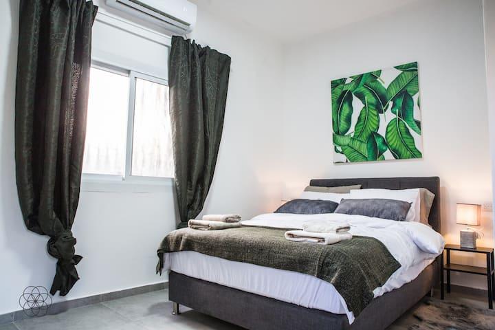Allenby's- NEW Apartment & Location- ♥ Tel Aviv