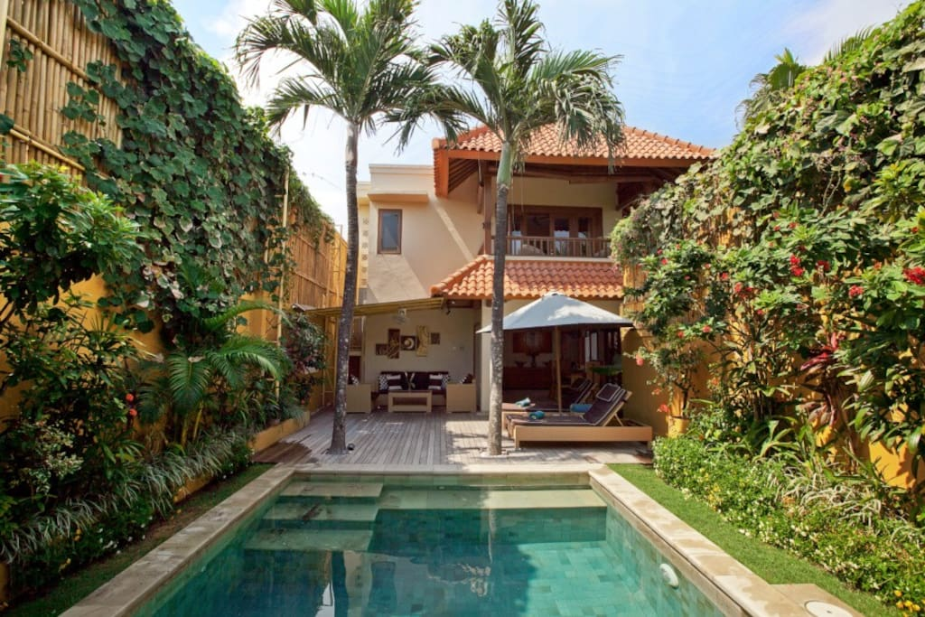 Quite private pool and tropical garden in the heart of Seminyak, Bali