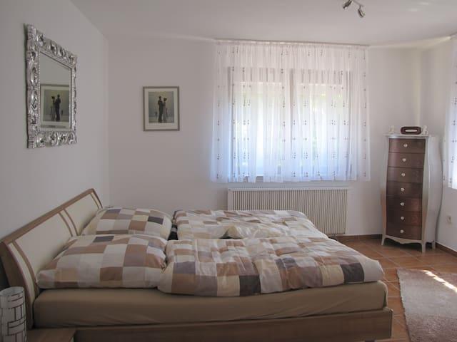 Wunderschöne Wohnung direkt am Wald - Gorxheimertal - Apartment