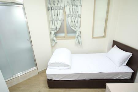 Practical Single room in Hongdae #2
