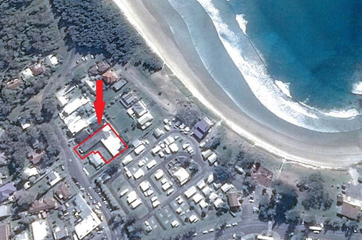 Woolgoolga Beach Escape -1 minute walk to beach !