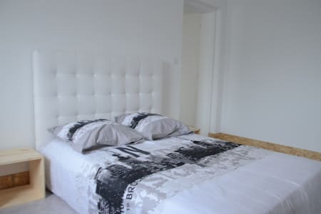 Bed room to rent in the center city - Saint-Jean-Pied-de-Port