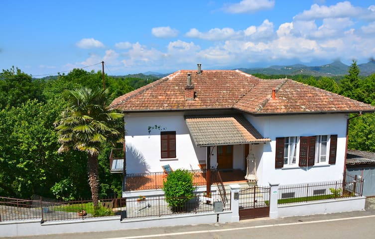 Accogliente cottage 1 h.da Expo MI - Casa del Bosco - Aamiaismajoitus