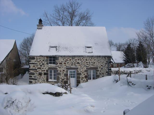 Maison de caractère à Picherande - Picherande - Hus