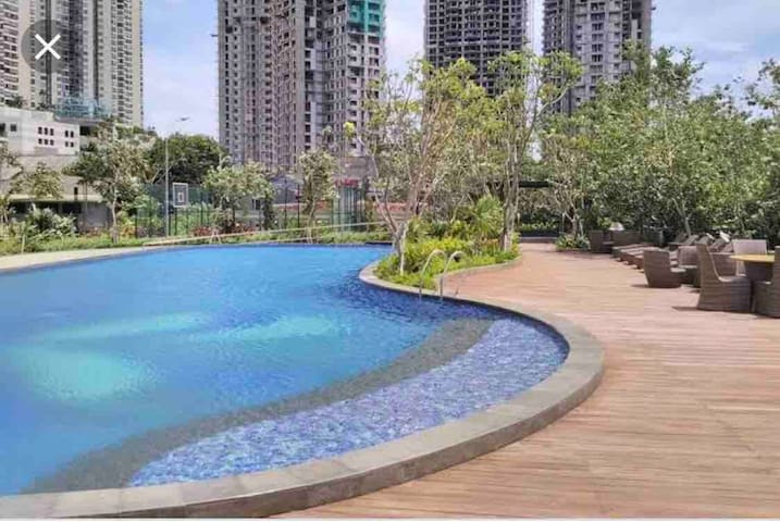 Beautiful swimming pool located in Gfloor and gym at 6th floor