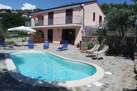 Villa con piscina ad Ascea - Ascea