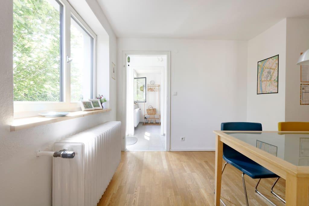 trier sch ne whng 2 r der inkl famili r ruhig wohnungen zur miete in trier rheinland pfalz. Black Bedroom Furniture Sets. Home Design Ideas