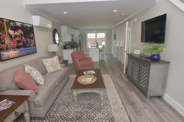 Luxurious One Bedroom Loft Apartment in Wolfeboro