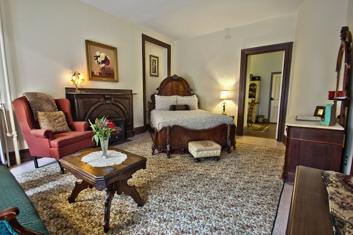 Times House - Times II Suite - Jim Thorpe - Bed & Breakfast