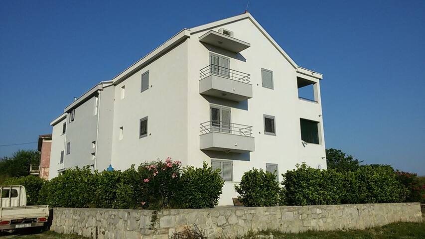 New modern flat - 400€ monthly - Vranjic