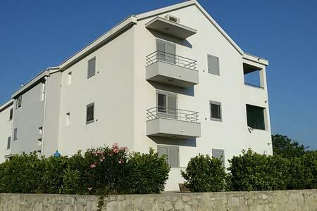 New modern flat - 400€ monthly - Vranjic - 公寓