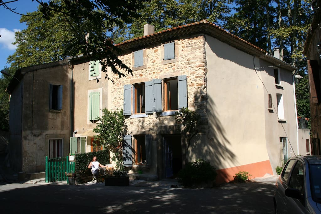 The Old Stone House in a quiet quarter of Luc