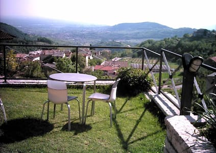 A Room with a View! Valpolicella - Mazzano di Negrar - アパート