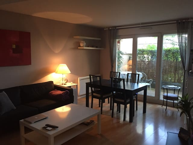 Appartement+parking proche Paris/Marne la Vallée - Apartments for ...