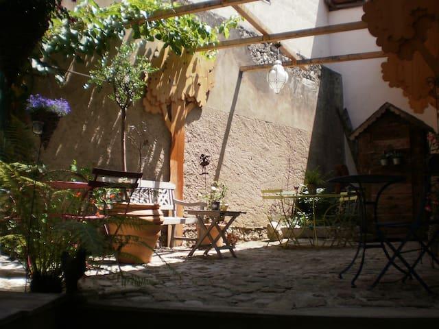 la petite cour - Menthon-Saint-Bernard - Rumah