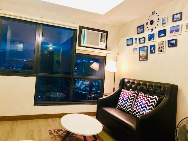 City View Condo with Pool and Gym Near Araneta