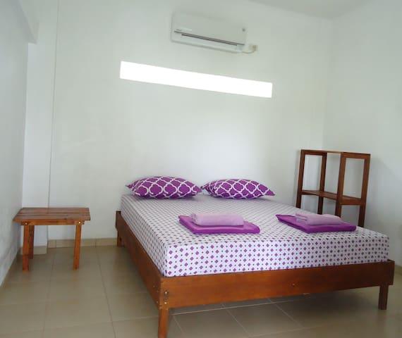 Treetop Guesthouse room 3 - Sabang - Apartamento