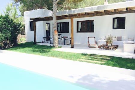 Ibicencan Style Villa Suay - 圣约瑟夫沙塔莱亚 - 别墅