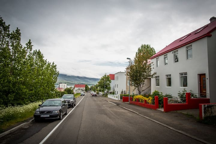 Bed & Breakfast - Great Location - Akureyri - Bed & Breakfast