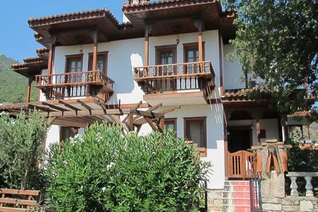 Villa İkiz - Ula - Rumah