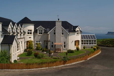 Giants causeway ballycastle luxury - Moyle